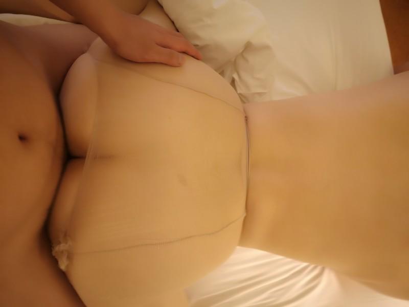 大奶骚货李珊珊又出新作了,豪乳丰臀情趣连体丝袜,绝对诱惑流连忘返